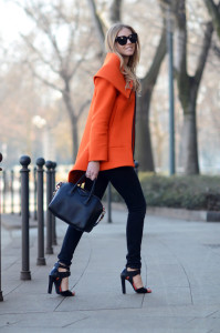 Chiara-Ferragni-with-Givenchy-Antigona-Bag