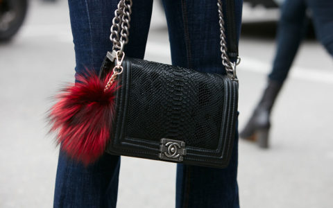 chanel-handbag-women